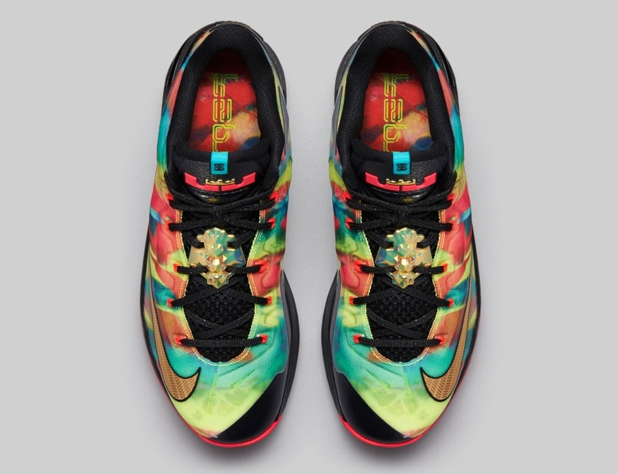 "8cadfcfc50771 Release Date  Nike LeBron 11 Low SE ""Multi-color"""